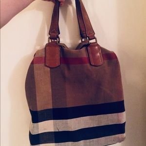 BURBERRY AUTHENTIC BAG!!!!!! Used!